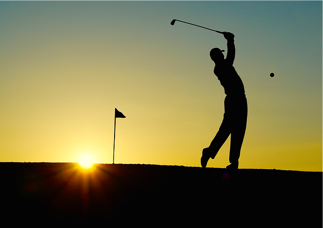 silueta golfisty