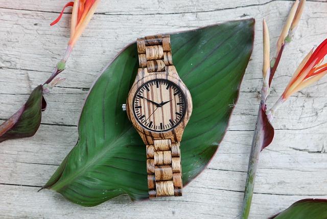 dřevěné hodinky.jpg